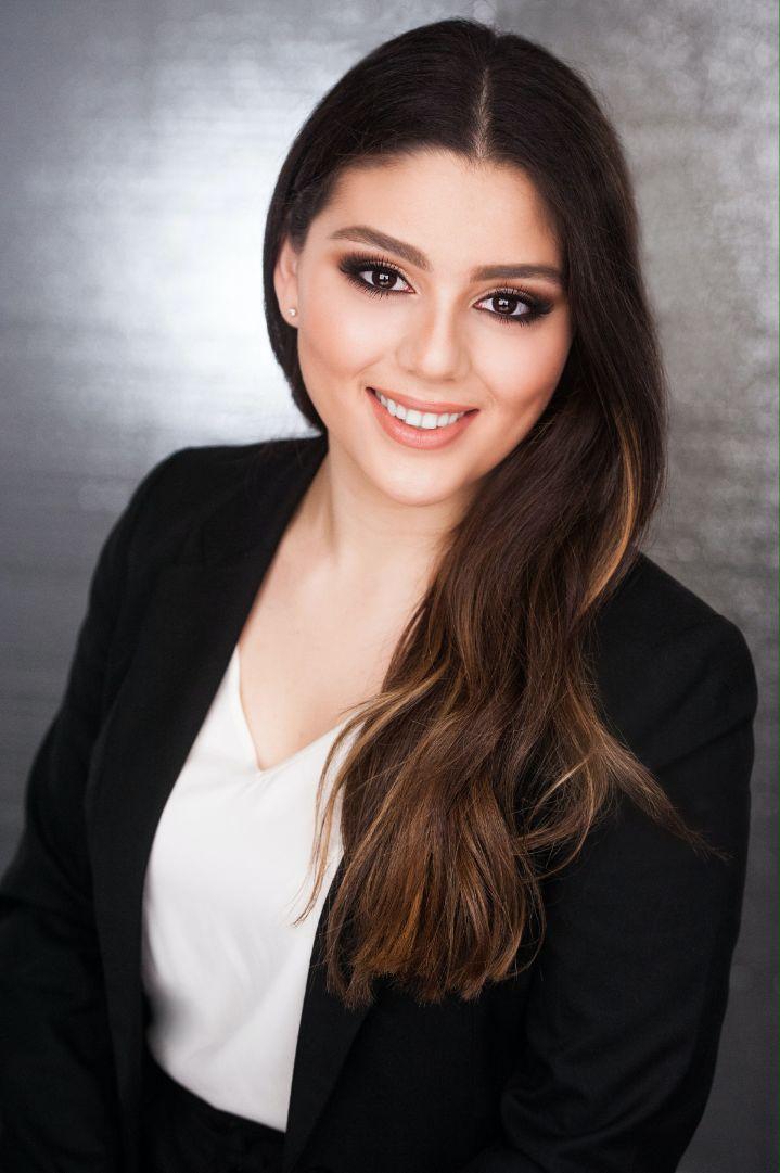 Adriana Bakalian