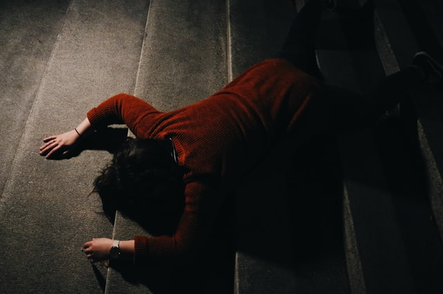 A trip and fall victim in LA that needs a premises liability lawyer